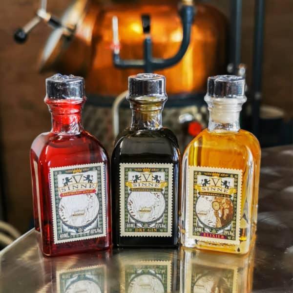 Mini Trio vor Distille
