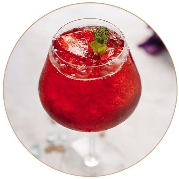 Gin Tonic Erdbeere Erdbeerkätzchen